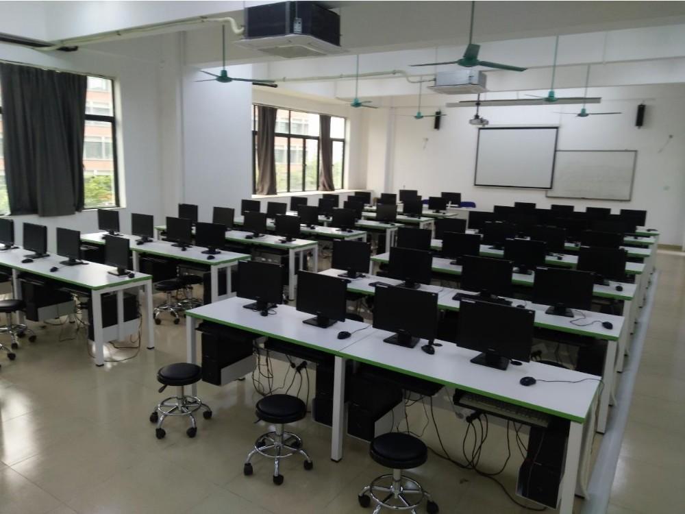 信息化教学实训室